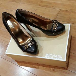 Michael Kors Hamilton black leather pump